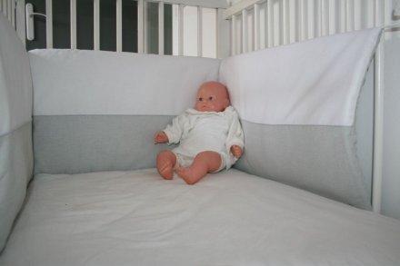 tour de lit b b fille et gar on celeste taille unique le blog de l atelier des filous. Black Bedroom Furniture Sets. Home Design Ideas