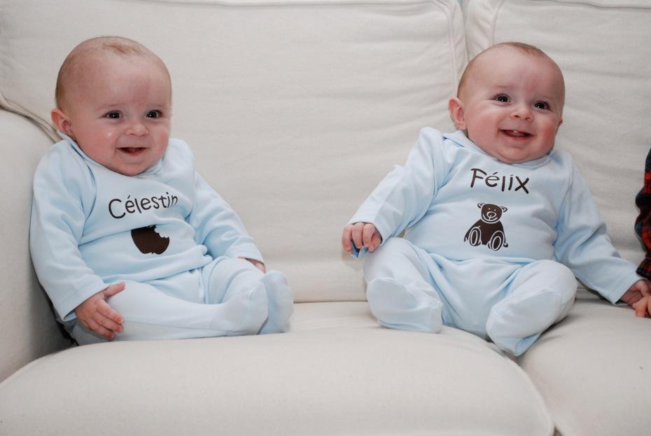 Les Bébés Filles Jumeaux : Trop mignons le de l atelier des filous
